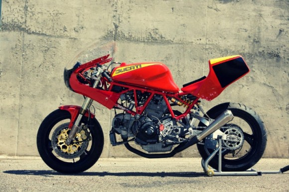 Red Ducati 900TT by Rad Ducati